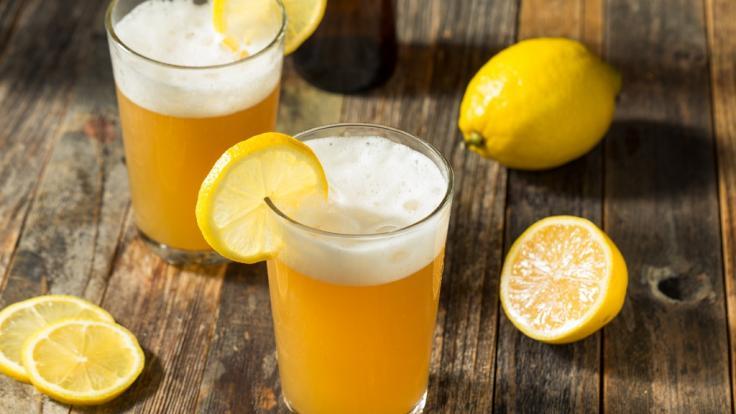 Radler ist ein beliebtes Sommergetränk. (Foto)