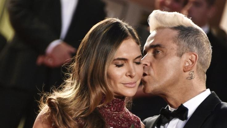 Ayda Field ist es egal, dass Ehemann Robbie Williams früher unzählige Partner hatte. (Foto)