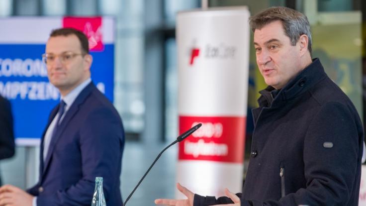 Markus Söder (rechts) denkt laut über eine Impfpflicht nach. (Foto)