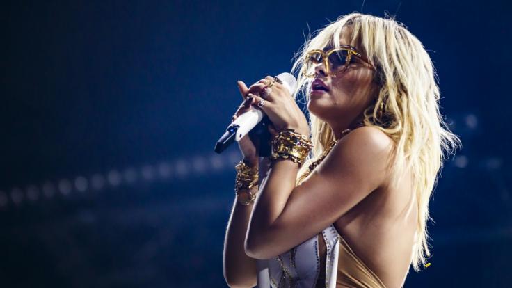Rita Ora begeisterte ihre Fans in Paris. (Foto)