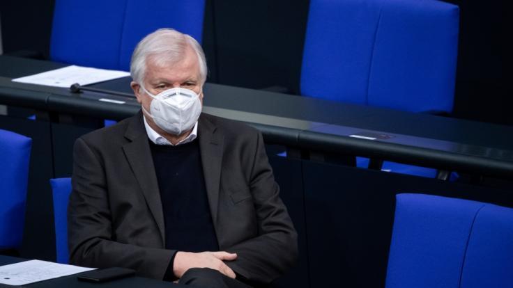 Seehofer verteidigt Einreiseverbot. (Foto)