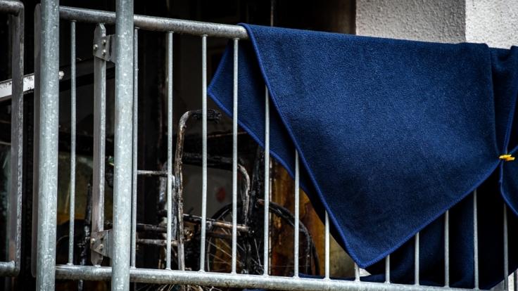 Auf dem Balkon eines Altenheims in Erding bei München ist eine 99 Jahre alte Bewohnerin verbrannt.
