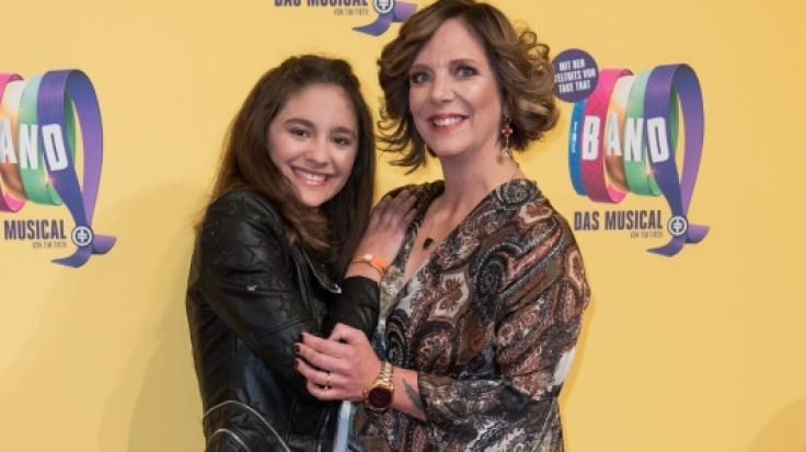 Daniela Büchner, hier mit ihrer Tochter Jada bei einer Musical-Premiere