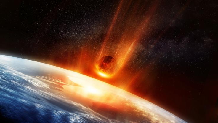 Über der Erde explodierte ein Meteor.