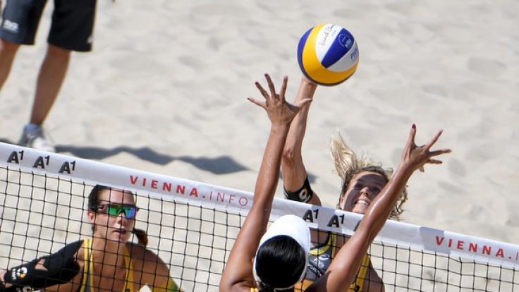 Die deutschen Olympiasiegerinnen Laura Ludwig und Kira Walkenhorst sind im Viertelfinale der Beach-EM 2017 in Lettland ausgeschieden.