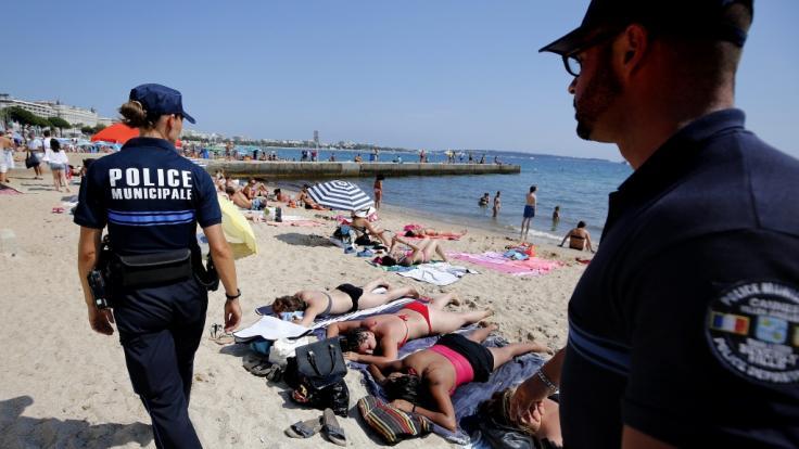 An einem Strand der USA war die Polizei in einen gewaltsamen Vorfall verwickelt. (Symbolfoto) (Foto)