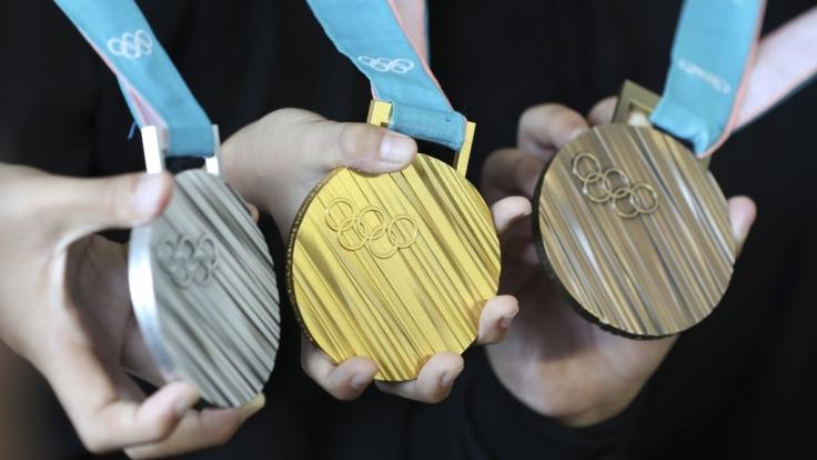 Objekte der Begierde - Die olympischen Medaillen in Pyeongchang. (Foto)