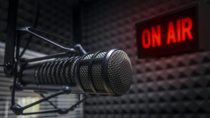 Radiomoderator Marc Bernier ist an Covid-19 gestorben. (Symbolfoto) (Foto)