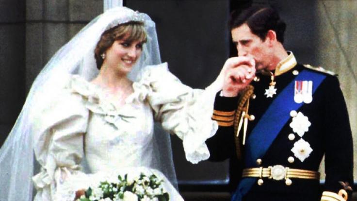 Prinz Charles und Lady Diana Spencer heirateten am 29. Juli 1981, doch die Ehe wurde am 28. August 1996 geschieden.