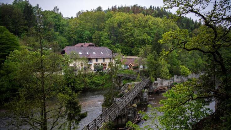 In dieser Pension wurden die drei Passauer Armbrust-Opfer gefunden.