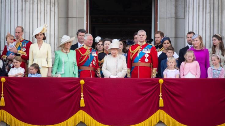 Queen Elizabeth II. will mit ihrer Familie alte Streitereien bei einer Therapiesitzung klären.