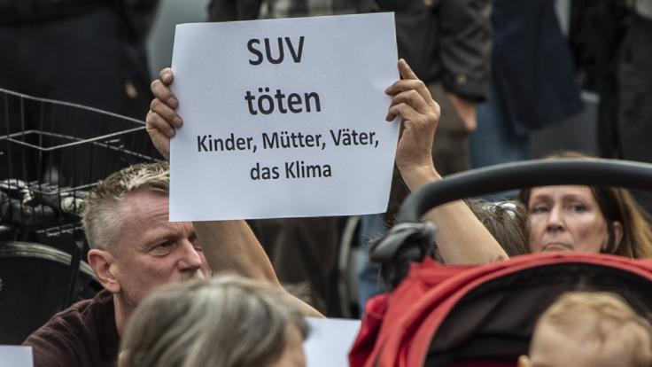 """""""Panzerähnliche Fahrzeuge"""" raus aus den Städten - solche Forderungen provozierte der schwere Unfall mit vier Toten in Berlin. (Foto)"""