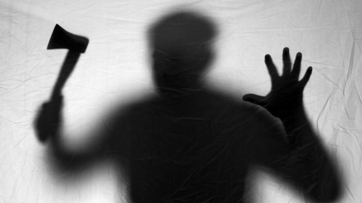 Für den bewaffneten Überfall eines Bordells und die Vergewaltigung von Prostituierten müssen drei Männer aus London für insgesamt 33 Jahre ins Gefängnis (Symbolbild). (Foto)