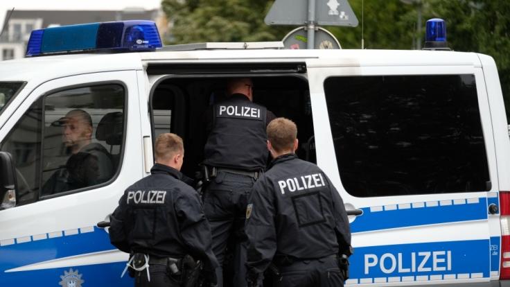 In Stuttgart griff ein mann seine Schwester mit einem Baseballschläger an. Er befindet sich nun in Untersuchungshaft. (Symbolbild)