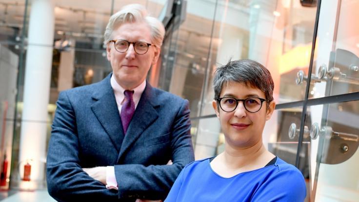 """Shakuntala Banerjee und Theo Koll moderieren im Wechsel """"Berlin direkt"""" und leiten das ZDF Hauptstadtbüro. (Foto)"""