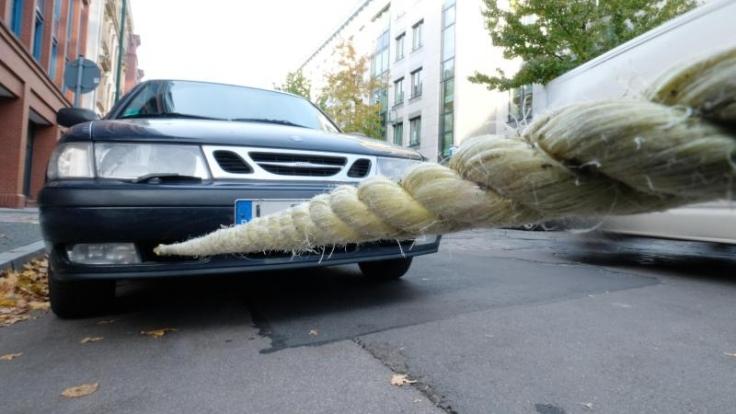 Beim Abschleppen sollte man immer darauf achten, dass das Seil ausreichend gespannt ist.