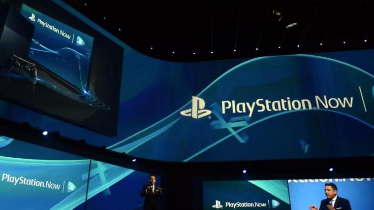 Mit Playstation Now können rund 400 Spiele für Playstation 3 und 4 gespielt werden. Foto: Michael Nelson/dpa/Archiv (Foto)