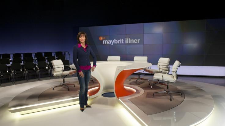 """Einmal pro Woche führt Maybrit Illner durch ihren gleichnamigen Polittalk. Mit Gästen aus Gesellschaft, Politik und Wirtschaft diskutiert sie live aus Berlin das """"Thema der Woche"""". (Foto)"""