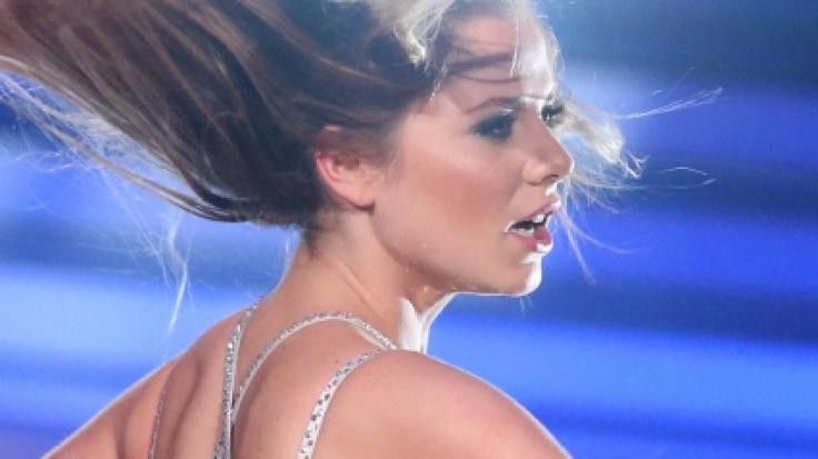 Schauspielerin Cheyenne Pahde weiß, wie sie sich sexy ins Szene setzt. (Foto)