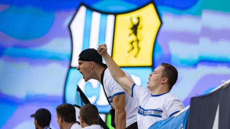 Die Fans des Chemnitzer FC feuern ihre Mannschaft aus vollem Herzen an. (Symbolbild) (Foto)
