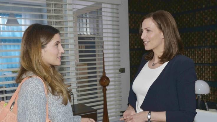 Wie geht es zwischen Laura (Chryssanthi Kavazi) und Katrin (Ulrike Frank) weiter? (Foto)
