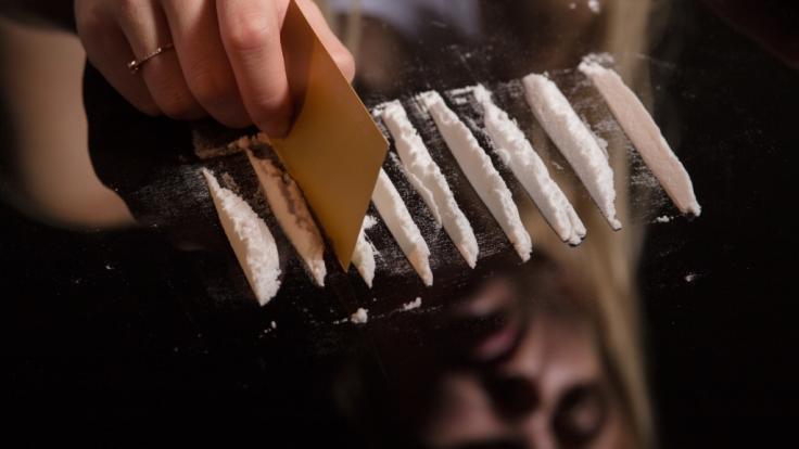 Viele Eltern stehen Drogenexperimenten ihrer Kinder ablehnend gegenüber (Symbolbild). (Foto)