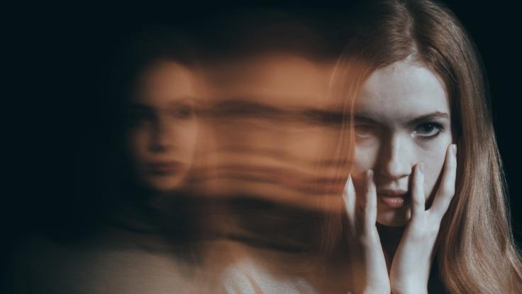 Nicht mehr Herr über den eigenen Körper sein - ein typisches Symptom bei Depressionen.