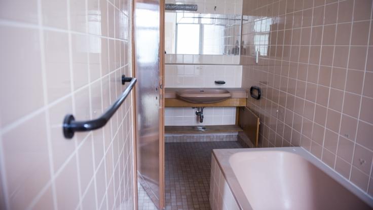 Während seine Mutter kurz den Raum verließ, ertrank ein einjähriges Baby in England in einer Badewanne (Symbolbild). (Foto)