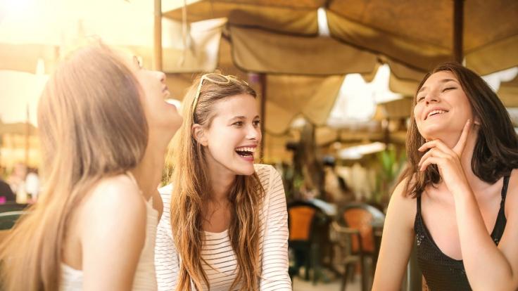 In manchen Belangen lügt die Damenwelt, dass sich die Balken biegen. Wir haben wertvolle Tipps, wie Sie die Lügen durchschauen und verraten Ihnen, wie Sie sich im Falle einer Lüge am besten verhalten. (Foto)