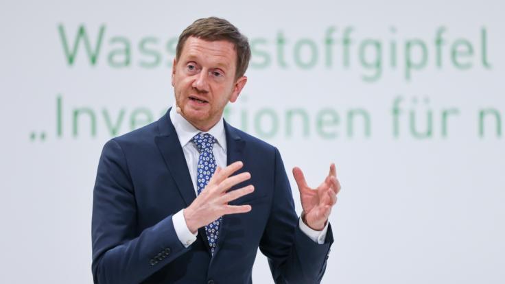Die Entscheidung, in Sachsen unter bestimmten Bedingungen die Maskenpflicht abzuschaffen, erntete nicht nur Begeisterung. (Im Bild: Sachsens Ministerpräsident Michael Kretschmer (CDU)) (Foto)