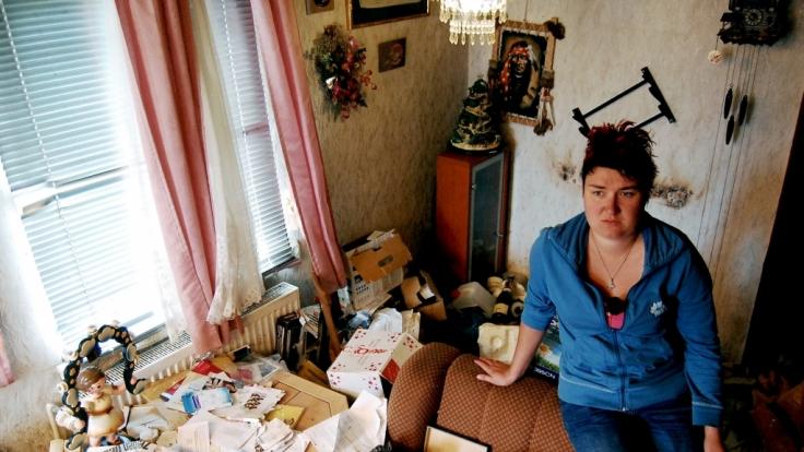 Peggy hat ein zugemülltes Elternhaus geerbt. (Foto)