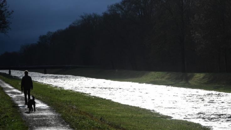 Das Wetter bleibt die nächsten Tage trüb und grau. (Foto)