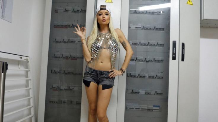 Die deutsche Sängerin Mia Julia zeigt sich gern sexy im Netz. (Foto)