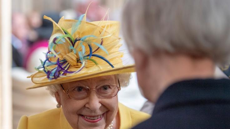 Der Hutschmuck der Queen ist Qualität aus Sachsen. (Foto)