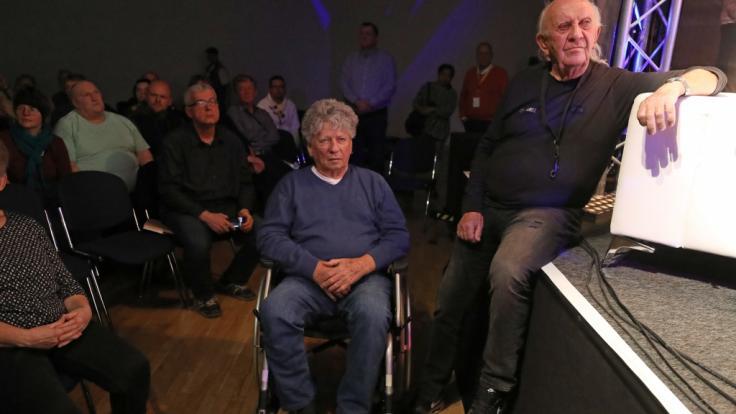 Puhdys-Musiker Harry Jeske (l.), hier mit seinem Bandkollegen Peter Meyer, ist im Alter von 82 Jahren gestorben. (Foto)