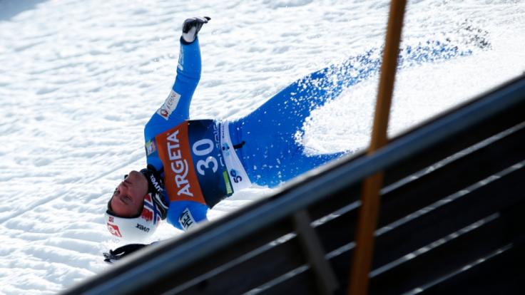 Skiflug-Weltmeister Daniel Andre Tande ist im slowenischen Planica schwer gestürzt.