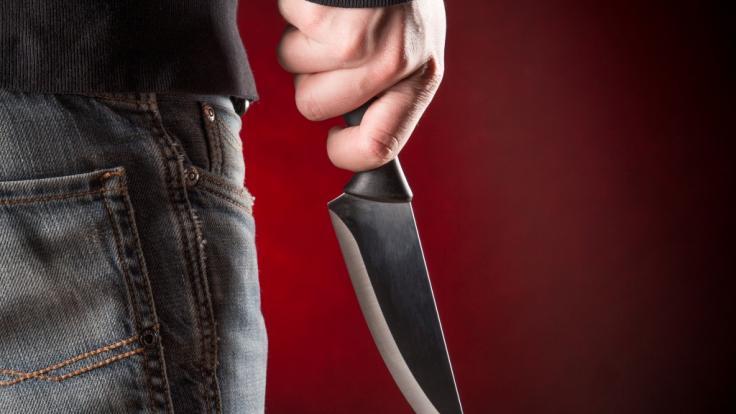 Ein 26 Jahre alter Mann hat seine schwangere Ex-Freundin mit 21 Messerstichen getötet. (Symbolbild) (Foto)
