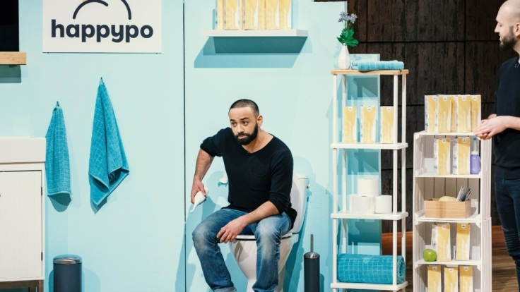 Oliver Elsoud (Foto) und Frank Schmischke aus Berlin präsentieren die Po-Dusche