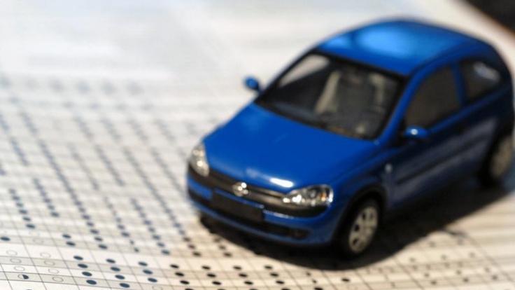 Wer einen günstigeren KfZ-Versicherungs-Tarif mit Werkstattbindung wählt, darf sein Auto im Versicherungsfall nur dort reparieren lassen. Dies gilt es bei einem Wechsel der Versicherung zu beachten. (Foto)
