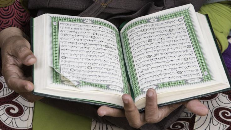 Das Lesen aus dem Koran ist essentiell im Fastenmonat Ramadan.
