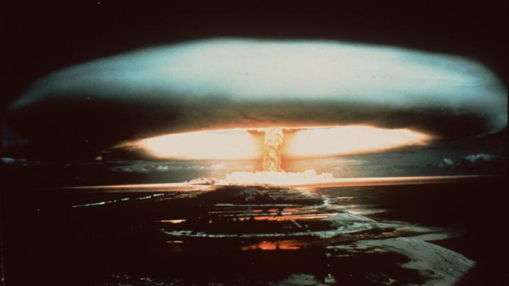 Laut einer aktuellen Studie reichen 100 Atombomben, um unsere Welt nachhaltig zu zerstören. Gut, dass es 15.000 Atombomben auf der ganzen Welt gibt. (Foto)