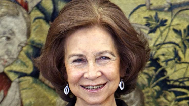 Königin Sofia von Spanien lächelt