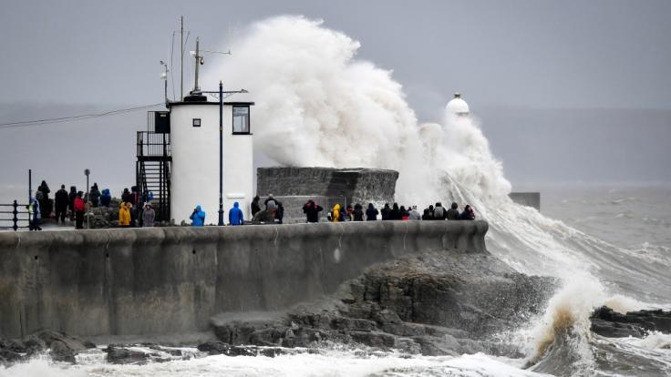 Meteorologen rechnen aufgrund starker Regenfälle durch Sturm