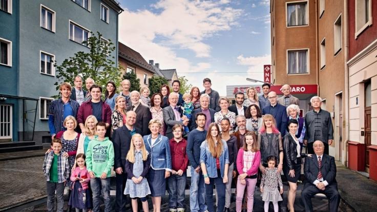 Das Ensemble der Serie im Sommer 2015.
