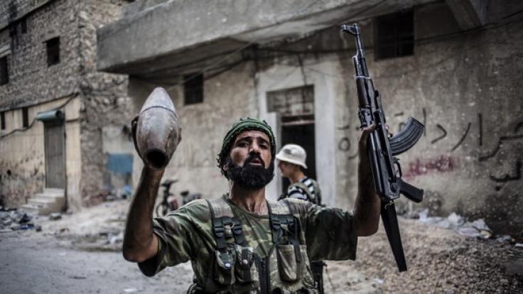 Syrische Rebellen sollen einen Jungen (12) geköpft haben. (Foto)
