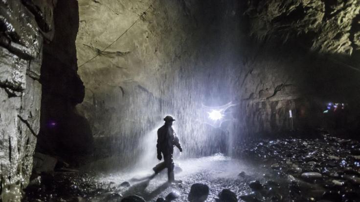 In der Dachstein-Rieseneishöhle haben Forscher eine seltsame Kreatur gefilmt. (Symbolbild)