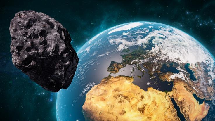 Beinahe täglich fliegen riesige Asteroiden an der Erde vorbei. (Foto)