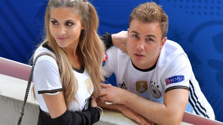 Mario Götze und seine Ann-Kathrin Brömmel bei der EM 2016.