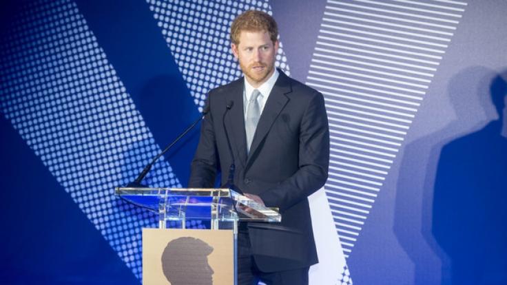 Weil Prinz Harry nuschelte, fielen viele Schüler durch die Englisch-Prüfung. (Foto)