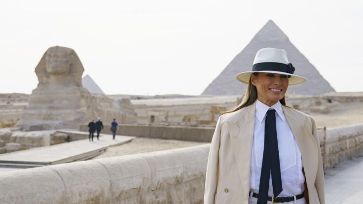 Melania Trump gab auf ihrer ersten Solo-Reise ein brisantes Interview.